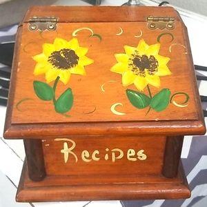 RECIPE Vintage Wooden Hinged Box